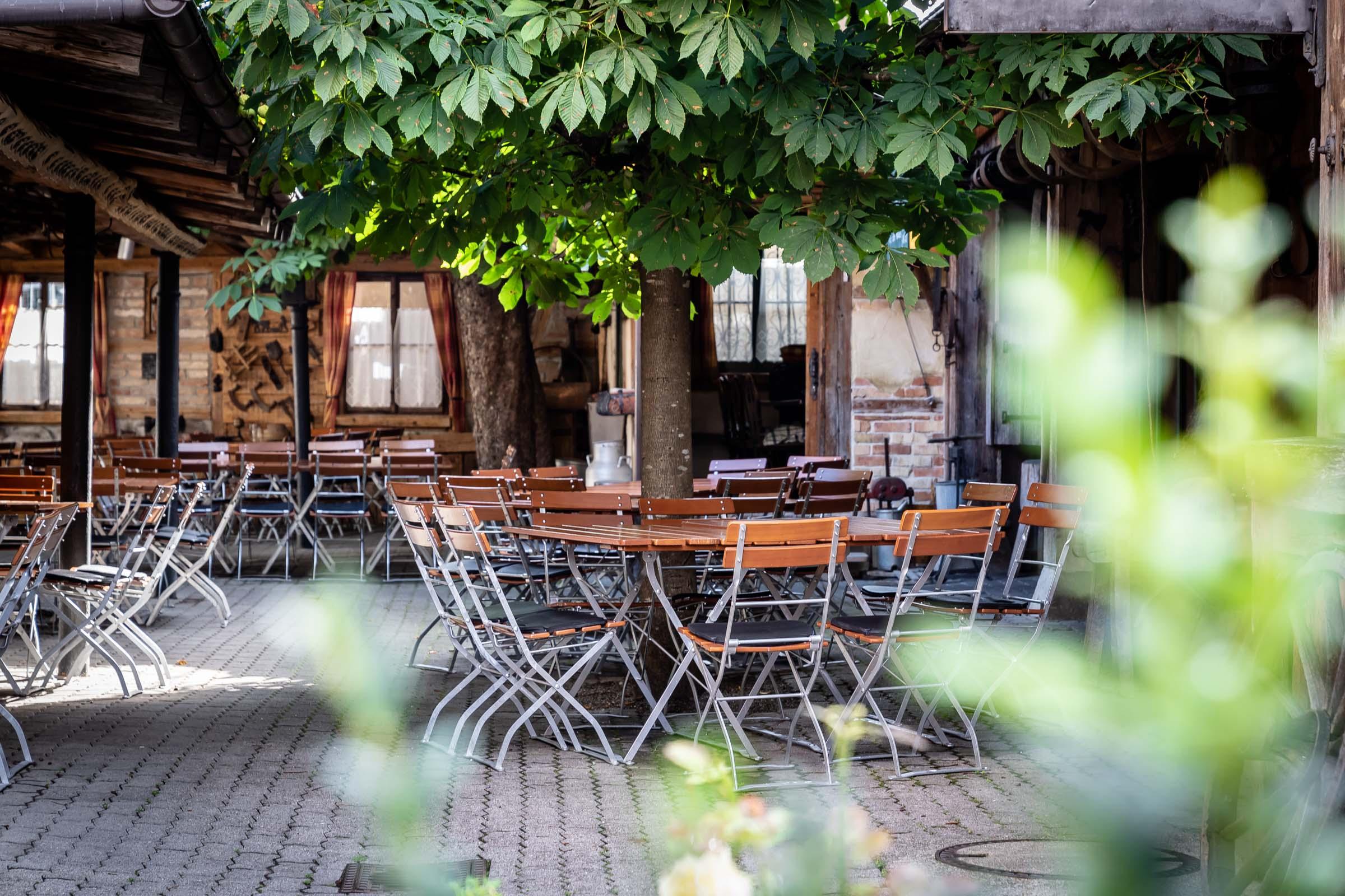 Hotel Rössle Weingarten Biergarten
