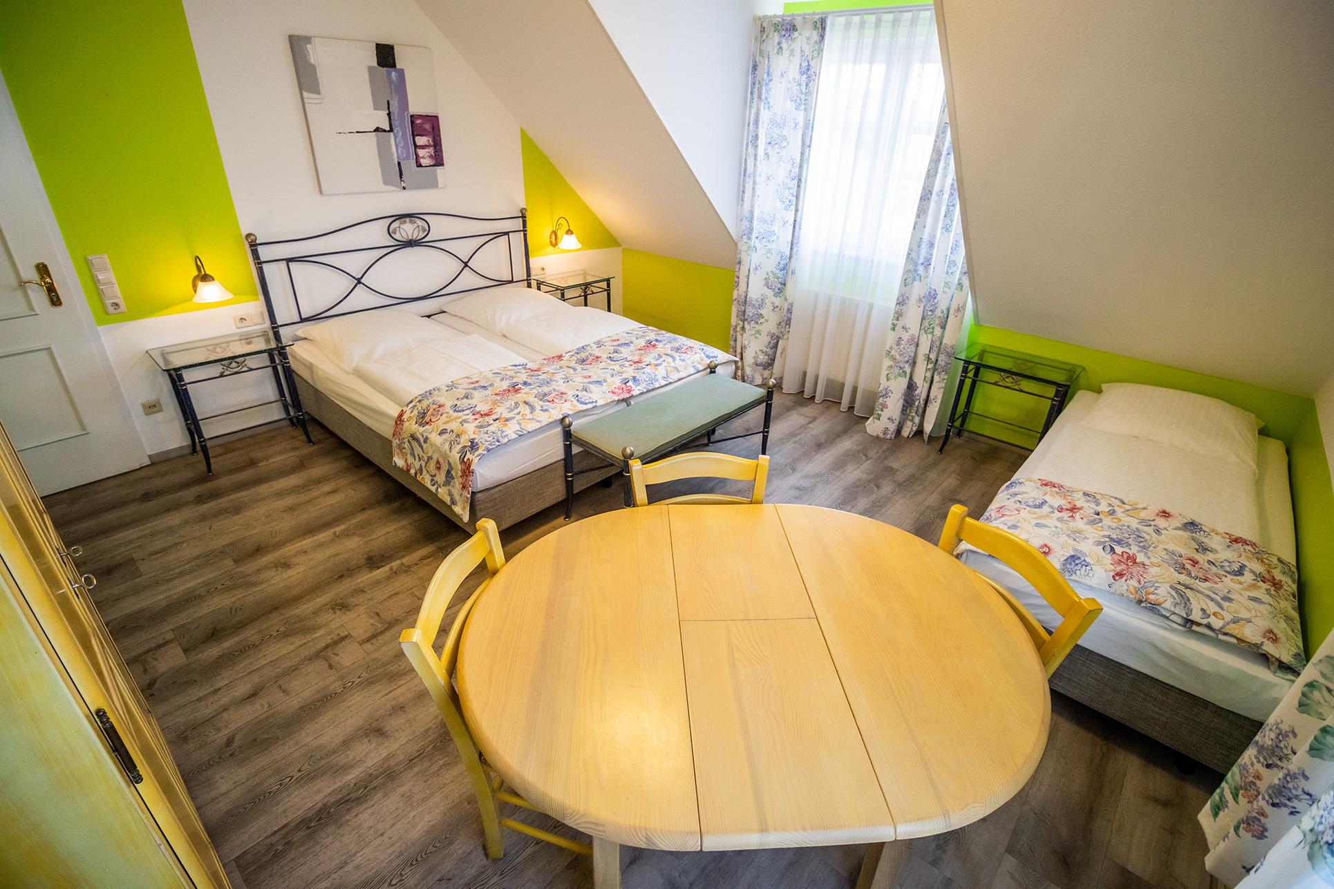 Hotel Rössle Weingarten 3-Bett-Zimmer